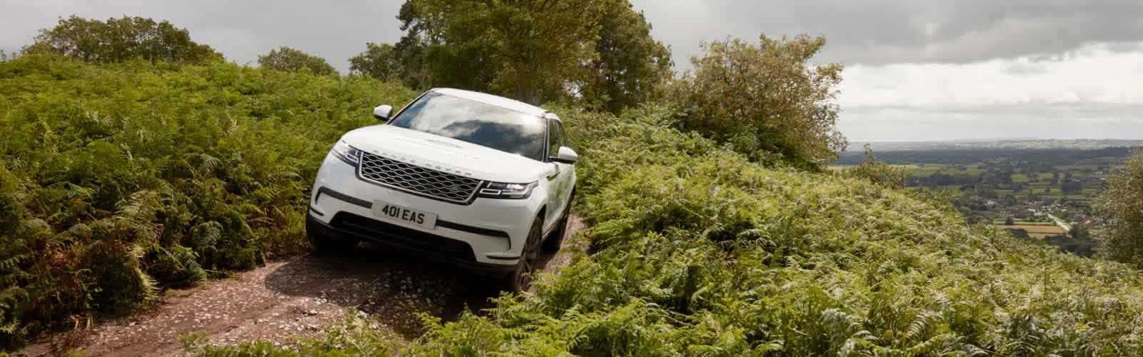 YOUR OPPORTUNITY TO GET BEHIND THE WHEEL OF A LAND ROVER AND HEAD OFF-ROAD FOR AN EXCITING, CHALLENGING DRIVE.<br><br>
